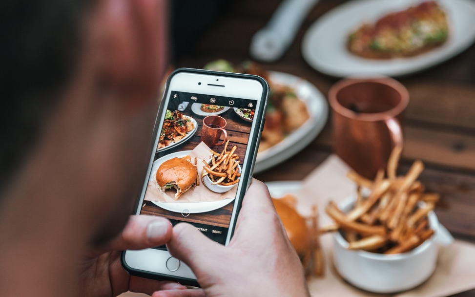 Embedding Instagram into your dining experience
